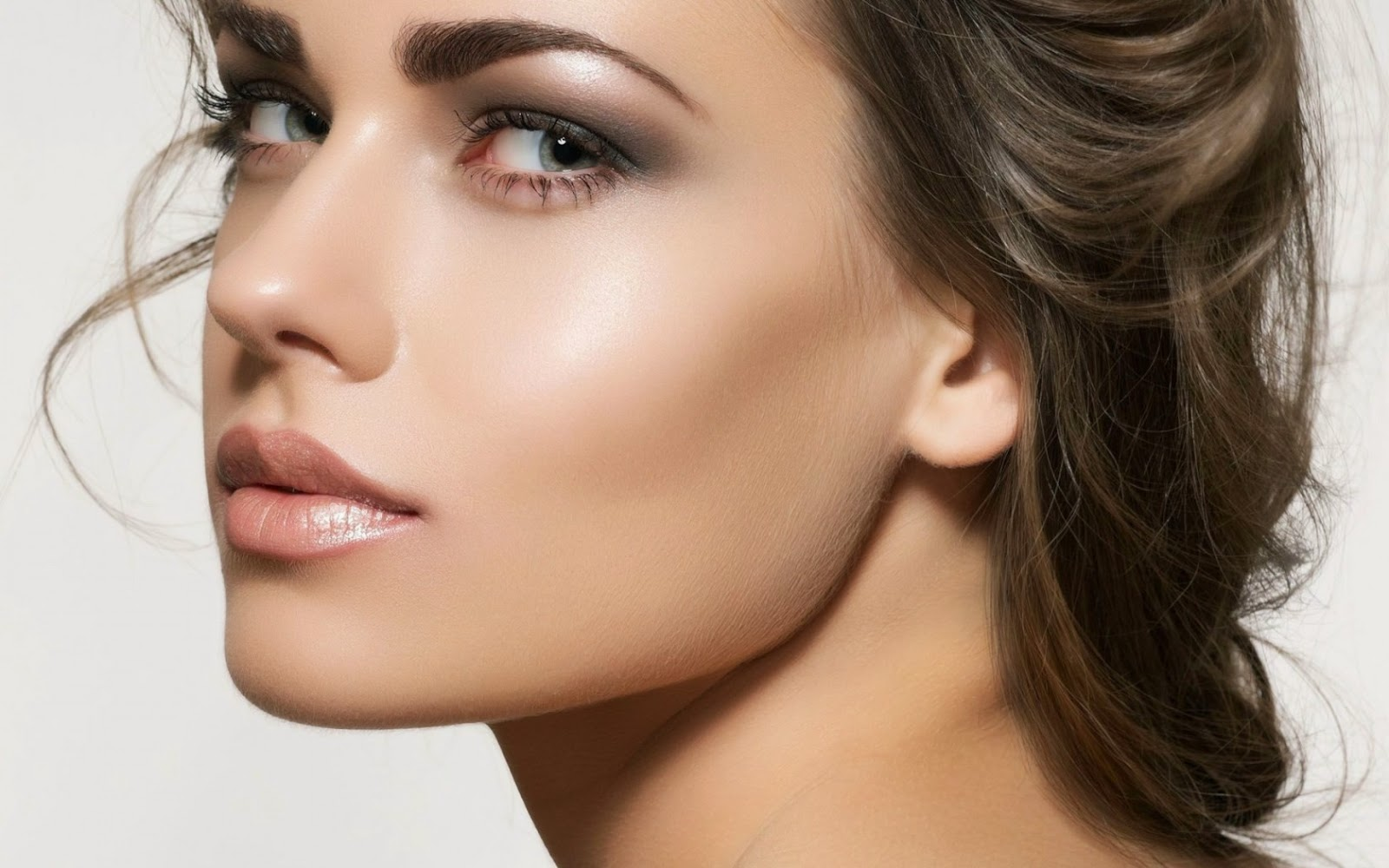 Natural Beauty Make-Up Tips